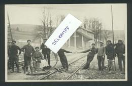 Foncine-le-Bas -  Carte Photo Ouvriers Près De La Gare - Autres Communes