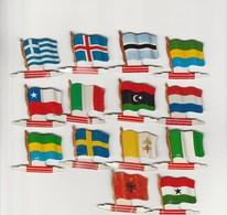 Lot De 14 Drapeaux Publicitaires De Collections L'alsacienne Biscuits - Advertising (Porcelain) Signs