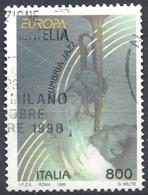 Italia, 1998 Europa, 800L # Sassone 2334 - Michel 2554 - Scott 2198  USATO - 1946-.. République