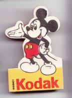 Pin's En Mousse Mickey Kodak Réf 3497 - Disney