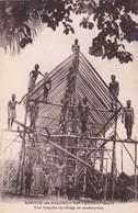 MISSION DES SALOMON SEPTENTRIONALES. UNE CHAPELLE DE UNE VILLAGE EN CONSTRUCCION.  CIRCA 1900s-BLEUP - Solomon Islands