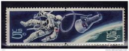 D - [TC090-08]USA- @XX-MNH@ Astronaute Hors De Son Module, Dans L'espace - Space