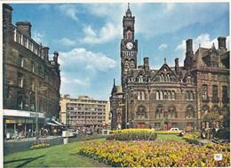 Postcard Bradford Yorkshire Town Hall And Flower Beds [ Walter Scott ] My Ref  B23208 - Bradford