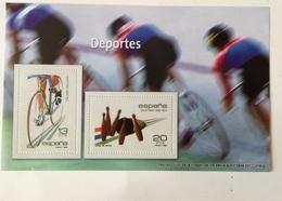 Hoja Bloque 2 Sellos. Deportes. Ciclismo. Juego De Bolos. España. Sin Circular. Reproducción - Blocks & Sheetlets & Panes