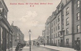 LONDON   BETHNAL GREEN Evessham Houses Old Ford Road  L744 - London Suburbs