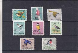 Oiseaux - Australie - 8 Timbres Série 319 / 40 ** - Valeur 52,40 Euros - Sparrows