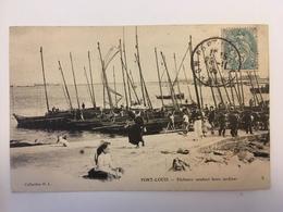 Port Louis - Pêcheurs Vendant Leurs Sardines - Frankrijk