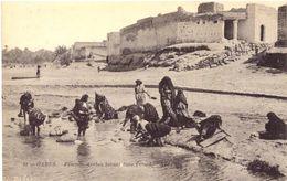 Gabes Femmes Arabes Lavant Dans L'oued - Tunisia
