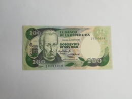 COLOMBIA 200 PESOS ORO 1984 - Colombie