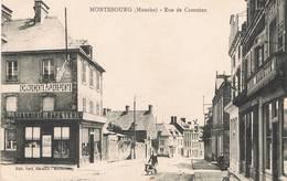 MONTEBOURG (Manche) - Rue De Carentan-Magasin De Cartes Postales Illustrées-Librairie-Papeterie-Animée - Francia