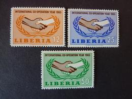 LIBERIA, Année 1965, YT N° 406-407-408 Neufs, Très Légère Trace Charnière - Liberia