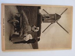 Zuid Beveland (Zeeland) Klederdracht En Molen // 19?? - Nederland