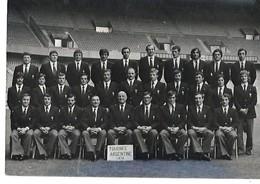 RUGBY TOURNEE DU XV DE FRANCE EN ARGENTINE 1974 DEDICACES DES JOUEURS CPM 2 SCANS - Rugby