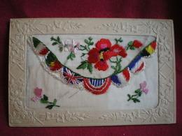 CARTE BRODÉE  - Guerre 1914/18,drapeaux Alliés. - Brodées