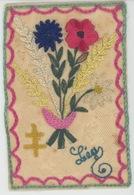 GUERRE 1914-18 -Belle CPA Brodée Travail De Poilu Sur Le Front CROIX DE LORRAINE Fleurs LEA -Sce Des Troupes De Campagne - Guerra 1914-18