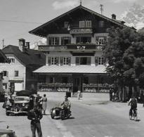 AK 0093  St. Johann In Tirol - Hauptplatz ( Gasthof Mauth , Oldtimer ) / Verlag Hahn Um 1956 - St. Johann In Tirol
