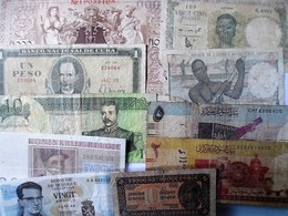LOT 10 BILLETS DIVERS AYANT CIRCULES - Coins & Banknotes