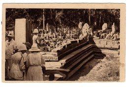 CPSM Site Archéologique Cambodge Angkor Thom  Coloniaux Terrasse Des Anciens Rois Lépreux éditeur L Crespin Saïgon - Cambodia
