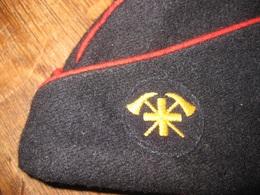 G202 CALOT BONNET DE POLICE SAPEUR POMPIER SUISSE TAILLE 57 - Headpieces, Headdresses