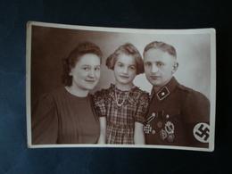 Schöne Fotokarte Portait Soldat Mit Orden EK2, Infanterie Sturmabziechen, SA Sportabzeichen, Verwundetenabzeichen - 1939-45