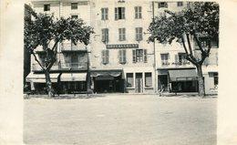 LE TEIL - Carte PHoto D'une Rue Avec Le Bar Moderne Et Le Bar Des Sablons Enseigne Ameublement Boucherie Chevaline - Le Teil