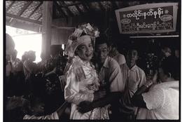 THAILANDE / TRES BELLE PHOTO ORIGINALE D ART DE LADYBOY / TRANSEXUELS / SPECTACLE / FORMAT 24X18 - Lieux