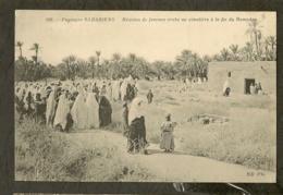 CP-Paysages SAHARIENS - Réunion De Femmes Arabe Au Cimetière à La Fin Du Ramadan - Sahara Occidental