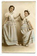 DOS NIÑAS VESTIDOS TWO GIRLS CHILDREN DRESSES ENFANTS CIRCA 1900S POSTAL CARD -LILHU - Taferelen En Landschappen