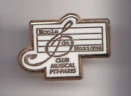 Pin's Musique Ecole De Musique Club Musical PTT Paris Réf 7529JL - Postes