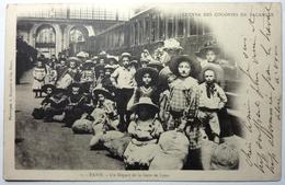 UN DÉPART DE LA GARE DE LYON - ŒUVRE DES COLONIES DE VACANCES - PARIS - Métro Parisien, Gares