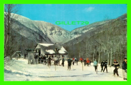 STOWE, VT - T-BAR LIFT, IN WINTER AT MT MANSFIELD - ANIMATED - CURTEICHCOLOR - - Etats-Unis