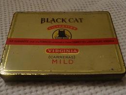 BLACK CAT -  - BOITE METAL DE 50 CIGARETTES - VIRGINIA - Around Cigarettes