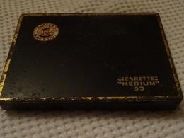 PLAYERS NAVY CUT -  - BOITE METAL DE 50 CIGARETTES - MEDIUM - Around Cigarettes