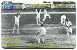 Trinidad & Tobago - T&T-144Aa - Cricket - Run Out! (CN: 144CTTA, Large Long Italic) - Trinidad En Tobago