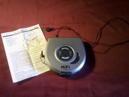 LECTEUR DE CASSETTES HIFI LINE  A PILES AVEC K7 DE PATRICK BRUEL 1994  ET PILES  RECHARGEABLE ET ECOUTEUR - Cassettes Audio