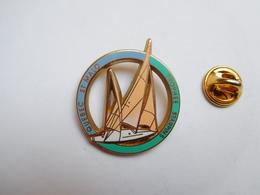 Beau Pin's En Zamac , Marine Bateau Voilier , Québec - Saint Malo , Trophée Starpin's - Boats