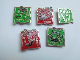 Belle Série De 5 Pin's Différents , Photo Phox , Photographie - Photography