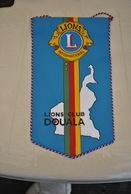 Rare Fanion Lion's Club Douala - Vereinswesen