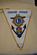 Rare Fanion Lion's Club Toulon Doyen - Organisations