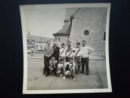 MOMIGNIES THUIN HAINAUT BASTOGNE LUXEMBOURG  WALLONIE BELGIQUE UN GROUPE SPORTIF ? 7 PHOTOS ORIGINALES ANNÉE 1963 + 1971 - Lieux