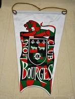 Rare Fanion Lion's Club  Bourges - Organizations