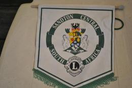 Rare Fanion Lion's Club  Sandton Central Afrique Du Sud - Organisations