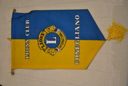 Rare Fanion Lion's Club  Conegliano - Organisations