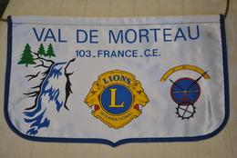 Rare Fanion Lion's Club  Val De Morteau - Organisations