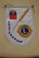 Rare Fanion Lion's Club Chateaudun - Organizaciones