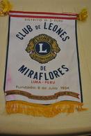 Rare Fanion Lion's Club Miraflores Lima Pérou - Organisations