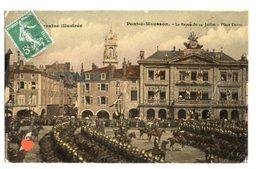 35245-ZE-54-Lorraine Illustrée--Pont-à-Mousson-La Revue Du 14 Juillet-Place Duroc--------animée-militaires - Pont A Mousson