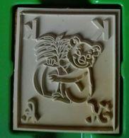 Tampon Bois, Animal, Koala, Lettre Alphabet K - 4,5 Cm X 5 épaisseur 1,7 Cm - Loisirs Créatifs