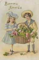 Carte Postale. Bonne Année. Enfants. Fille Et Garçon. Corbeille De Fleurs. Trèfle - New Year