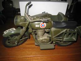 Lot De 2 Motos Avec Side Carset 1 Moto Seule,marque ACTION MAN/JOE - Jouets Anciens